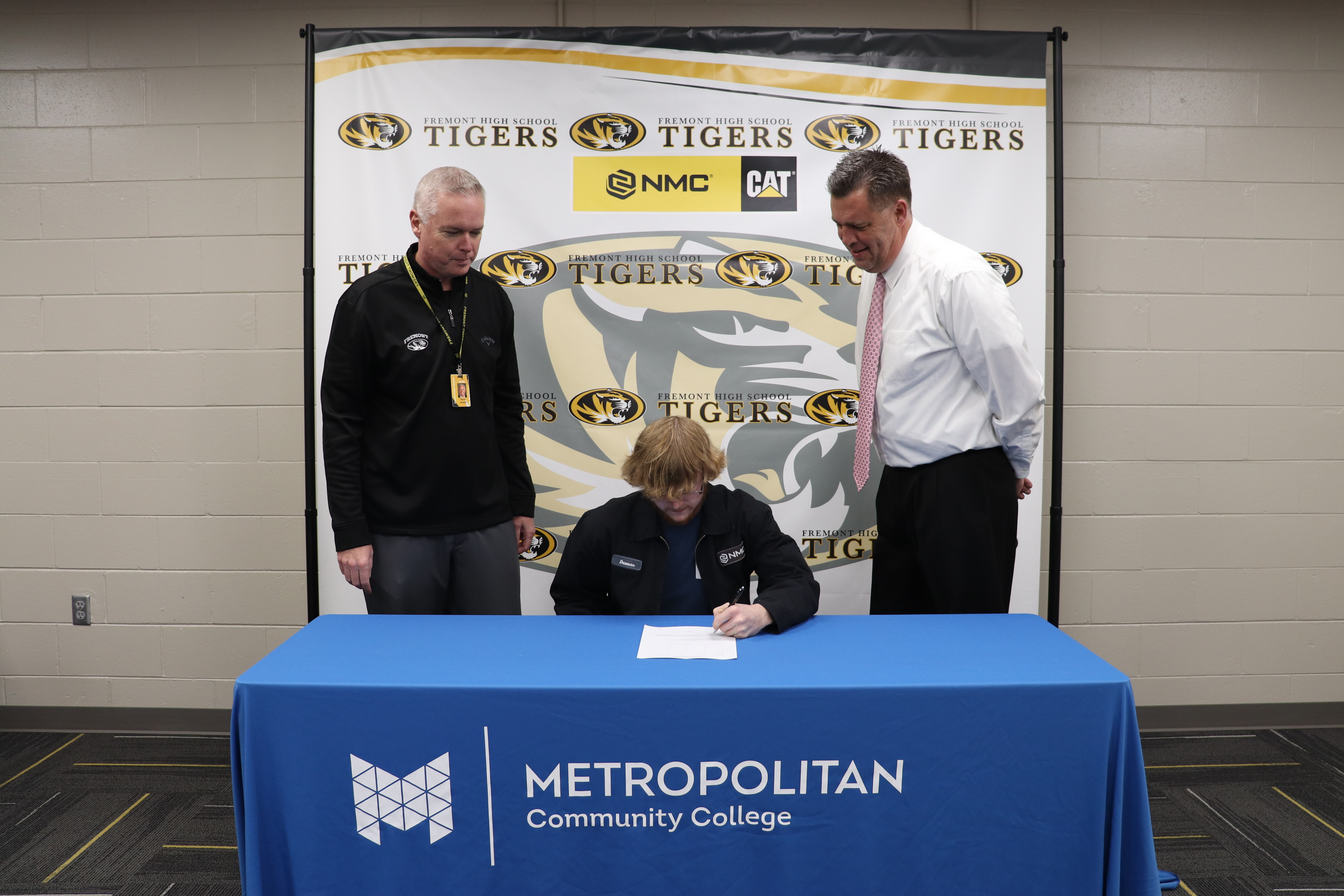 Dawson Holverson signing with NMC Cat